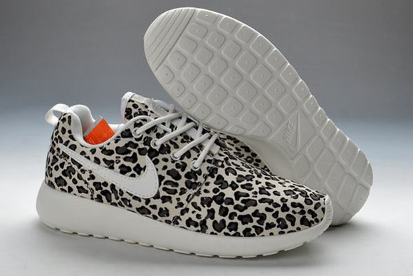 shoes trainers nike roshe run leopard print trainers black white leopard print