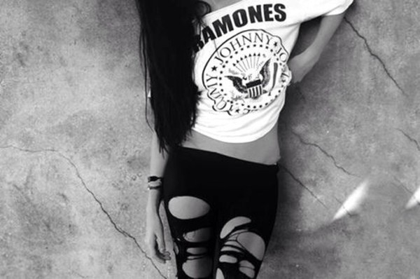t-shirt pants shirt leggings tank top ramones white black b&w black and white girl grunge girl