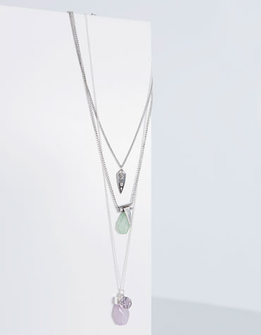Halskette 3 stränge verzierung steine