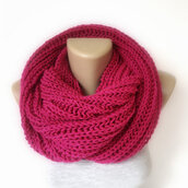 scarf,pink,neon,fall outfits,knitted scarf,gift ideas,2014 scarf trends,eternity scarf,neckwarmer,hot pink,trendy,cute,girly,girl,menswear,women