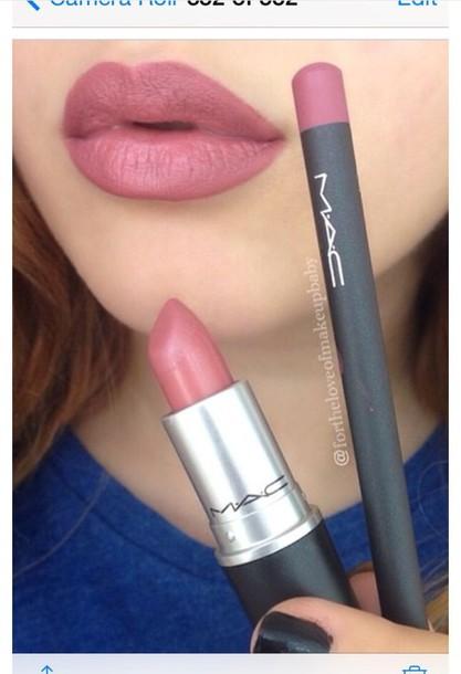 Make-up: Mac Lipstick, Mac Lip Liner