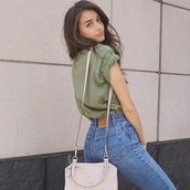 jeans,skinny jeans,top,cute,green,high waisted jeans,t-shirt,denim,purse,bag,blue jeans,oversized