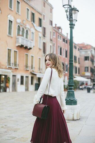 skirt white shirt burgundy bag burgundy midi skirt blogger