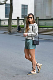 to be bright,blogger,shorts,sweater,shoes