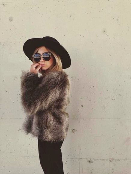 fur fur jacket faux fur coat faux fur coat faux fur jacket style brown sunglasses hat girl