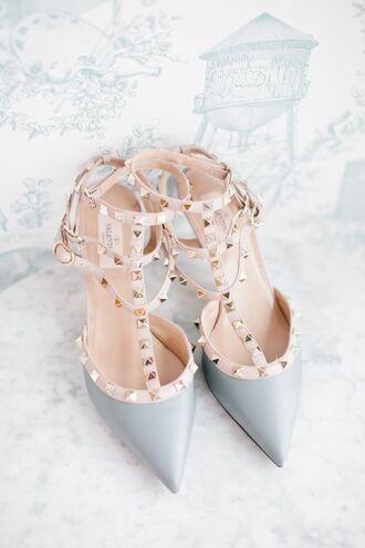 shoes heels high heels studded shoes studs pantone 2016 pantone color ootd tumblr ootd beautiful pretty pastel blue blue wedding accessory light blue valentino blue heels blue shoes