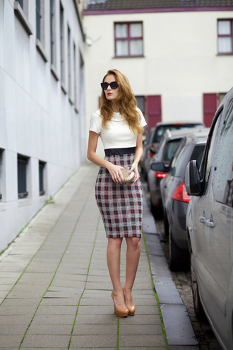from brussels with love blogger dress shoes bag sunglasses