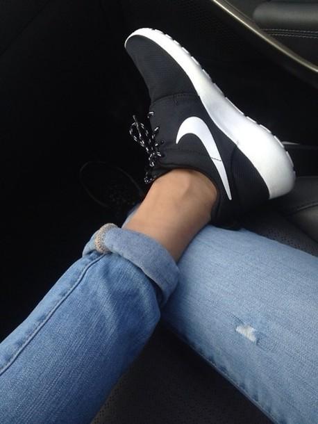 Nike Free Run 2 Womens Running Shoe Black White