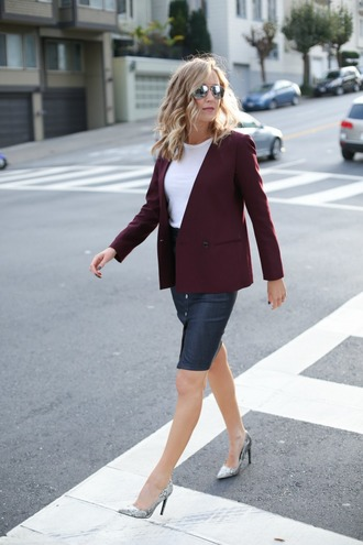 the classy cubicle blogger skirt jacket top shoes jewels sunglasses