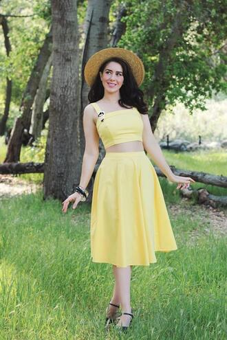 southerncaliforniabelle blogger top skirt shoes make-up jewels two piece dress set yellow dress straw hat spring outfits