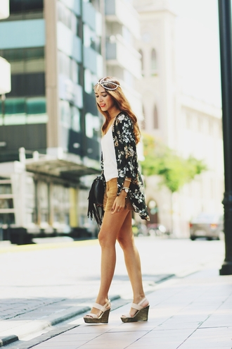 preppy fashionist blogger shorts wedge sandals kimono cardigan