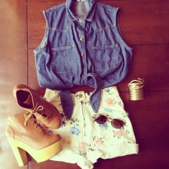 clogs shoes shorts sunglasses shirt floral flower floral shorts flower shorts denim vest denim jeans top blouse denim blouse high heel brown leather pilot glasses jewels gold blue whit white brown leather pumps cute hot outfit of the day acessories denim jacket celebrity hipster summer