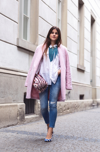 the fashion fraction blogger jeans white shirt pink coat cropped pants pouch fluffy necklace