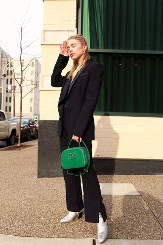 always judging blogger top shoes jewels green bag chanel bag suit