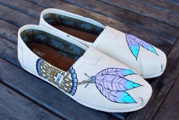 shoes toms tribal pattern
