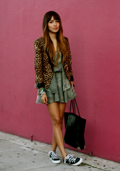 leopard print sneakers fall outfits short khaki teddy