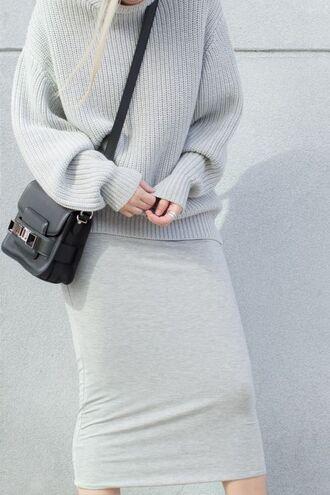 sweater knitted sweater grey sweater shoulder bag crossbody bag black leather bag bodycon dress grey grey dress minimalist midi dress