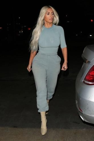 pants sweatpants top kim kardashian kardashians boots streetstyle fall outfits celebrity style celebrity
