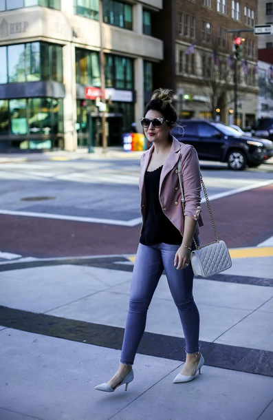 life & messy hair blogger jacket shoes jeans tank top bag sunglasses jewels pink jacket skinny jeans