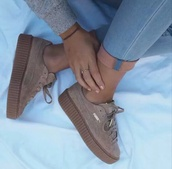 nude sneakers,beige,shoes,sneakers,puma,beige shoes,platform shoes,puma suede,pink shoes,rihanna,dope,suede,nude,trendy,jeans,blue,jumper,mauve puma,puma sneakers,rihanna style,creepers,fenty,puma fenty,low top sneakers
