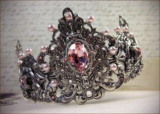 jewels crown queen