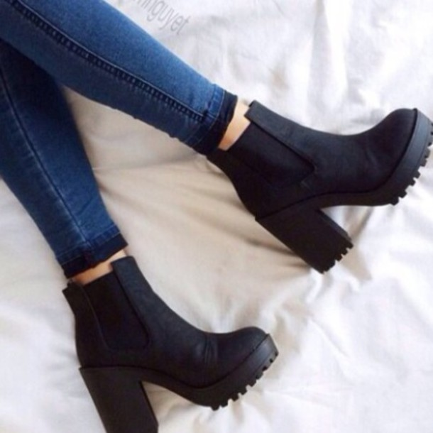 skinny jeans black boots ankle boots thick heel shoes trandy trand fashion coat jeans black little black boots black ankle boots boots