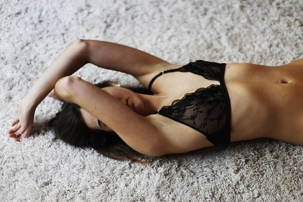 underwear bra bralette tumblr indie girl black black bra model lace shirt black lingerie