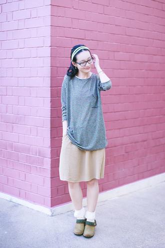 pupuren blogger skirt socks striped top shoes