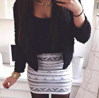 skirt white grey black aztec outfit patterned skirt pattern gold necklace gold chain necklace