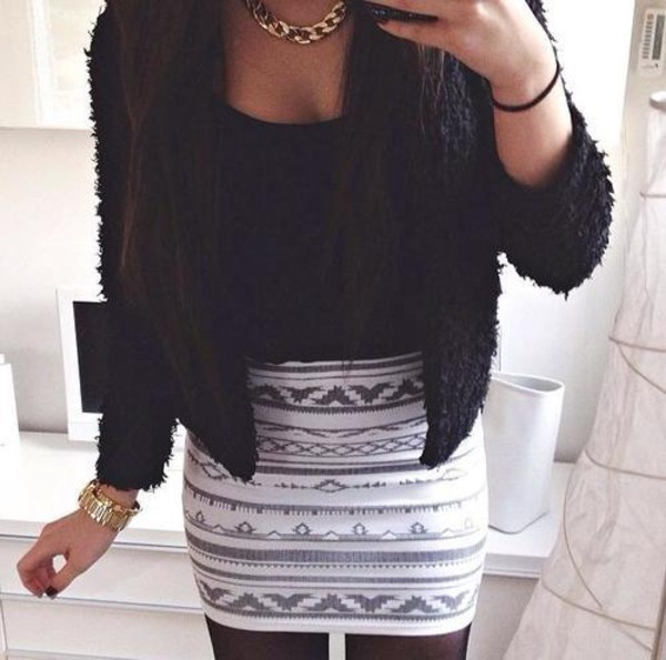 skirt white grey black aztec outfit outfit patterned skirt pattern gold necklace gold chain necklace