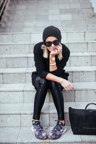 the courtney kerr blogger sweater leggings shoes hat bag sunglasses jewels top scarf