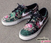 shoes,nike,camouflage,style,hipster punk,hipster,cool,boho,socks,roses,nike shoes,nike sb,floral shoes,summer shoes,fleur