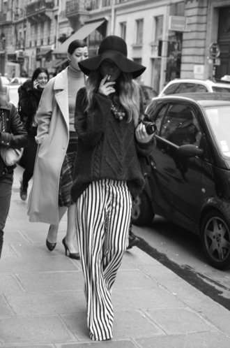 pants stripe stripes long pants flare flare pants black white black and white black & white mono comfy comfortable long style stylish stylish pants chic streetwear striped pants