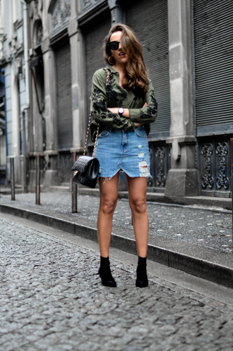 skirt black bag jacket denim skirt short skirt bag boots black boots green jacket sunglasses