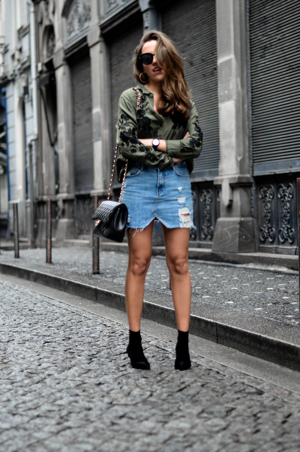Sale Eastbay Amazing Price Cheap Price Free People Relaxed and Destroyed Split Denim Skirt pvsnVa3iQy