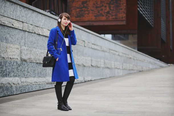 kapuczina blogger dress blue coat striped dress bag coat shoes