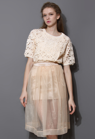 t-shirt cut-out flowers crepe top nude pink