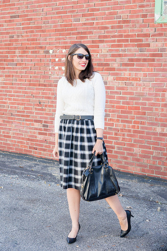 styleontarget blogger sweater sunglasses belt bag jewels skirt shoes high heel pumps pumps white sweater black bag