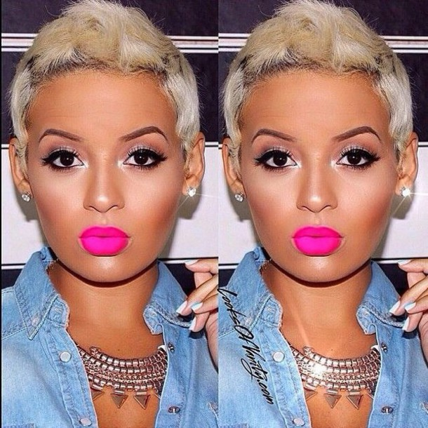 make-up pink lipstick