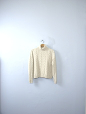sweater,knitted sweater,cable knit,turtleneck,turtleneck sweater,winter sweater,90s style,pullover,vintage pullover,vintage sweater,cream,vintage,sweater weather,cream sweater