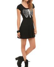 rib cage,ribs,bones,dark,goth,shoes,skeleton,black dress,black boots