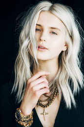 fire on the head,blogger,hairstyles,platinum hair,blonde hair,natural makeup look,cross,gold chain,gold jewelry,gold watch,jewels,no make-up look