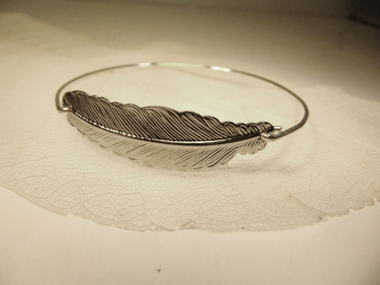 Bracelet jonc à plume plume métallique empilable