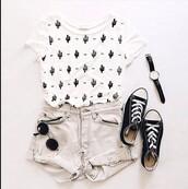 t-shirt,top,black and white,cactus,shirt,tumblr shirt,plants,floral shirt,white t-shirt,pants,white shirt,black,tumblr