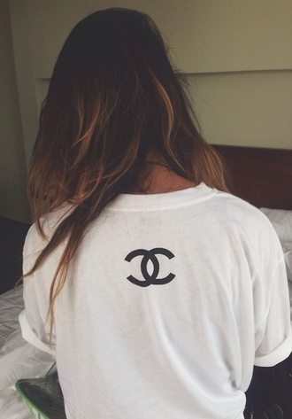 shirt chanel sweater white t-shirt blouse white t-shirt hipster blogger coco black chanel t-shirt tumblr logo t-shirt top cute oversized t-shirt long hair coach symbol white shirt outfit idea diy skater girl shirts pretty