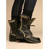 shoes,black,leather,rivet