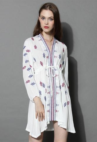 dress boho embroidered v-neck dress in white white boho embroidered chicwish