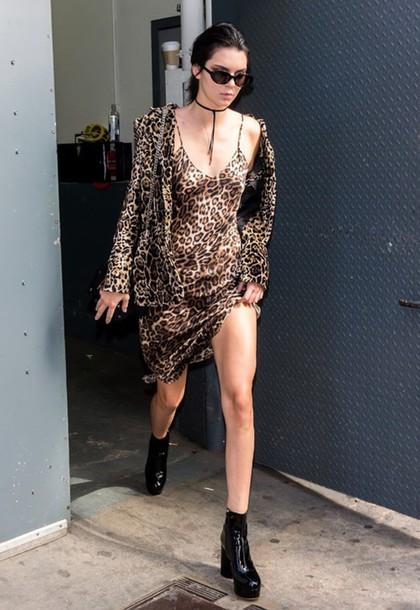 dress animal print leopard print ankle boots kendall jenner camisole jacket NY Fashion Week 2016 streetstyle jewels choker necklace black choker kardashians keeping up with the kardashians model model off-duty celebrity style celebrity