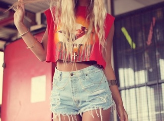 t-shirt crop tops summer vibrant shorts jewels shirt denim shorts ripped shorts cross blonde hair orange shirt high waisted blue shorts high waisted shorts red