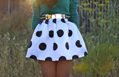 skirt,polka dot skirt,white and black skirt,belt,white,polka dots,skater,purple,girly,black,vintage,retro,cute,outfit,idea,shirt,gold,gold belt,black and white,clothes,neon,style,dress,little black dress,black and white skirt,high waisted skirt,black polkadot,black and white polka dots,circle skirt,short skirt,skirts with belts,cute skirt